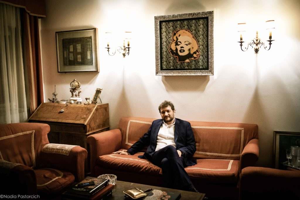 Massimiliano Alberti: L'invitato, un romanzo d'altri tempi